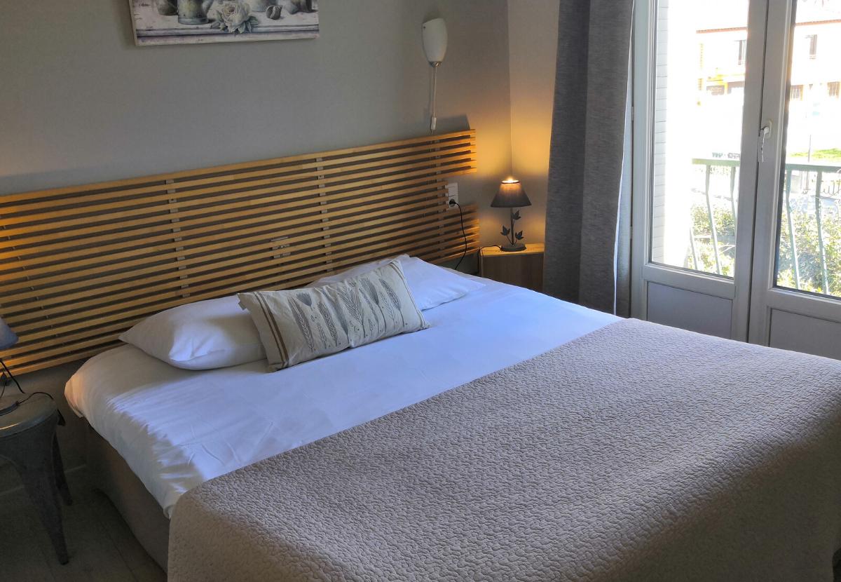 chambre 4 isle sur Sorgue Hotel **