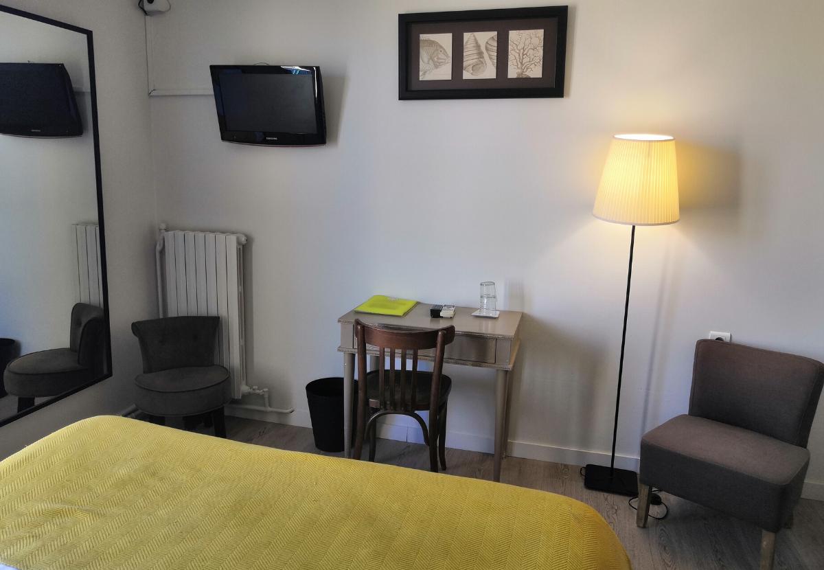 chambre 8 hôtel** Isle sur la Sorgue